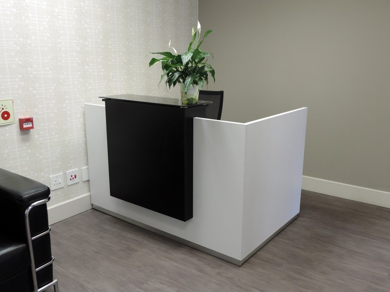 Compact Giorgio reception desk