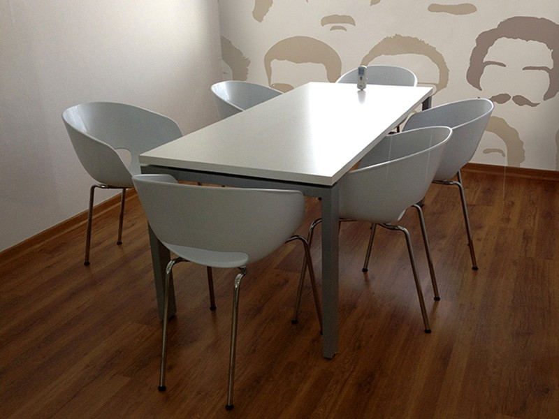 6-Seater White Meeting Room Table