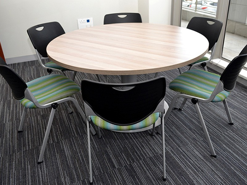 6-Seater Round Table