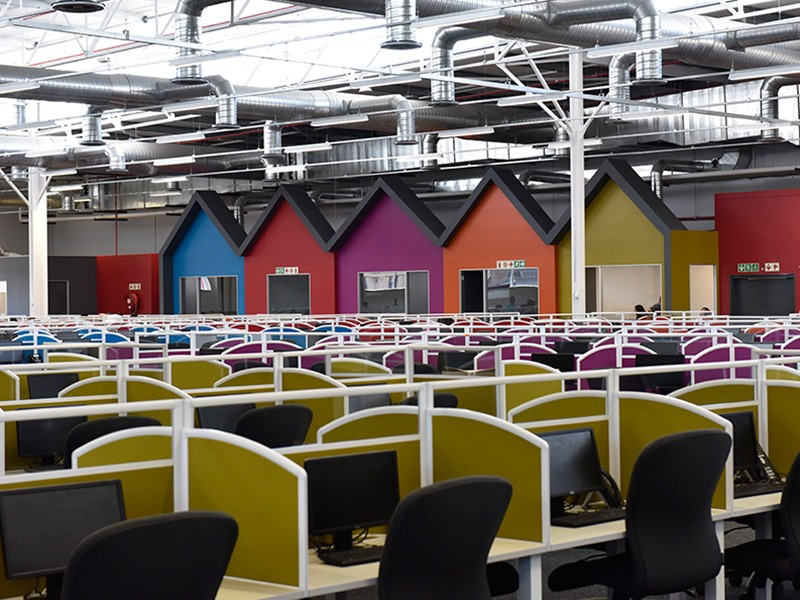 Large Call Centre with Desk Dividers