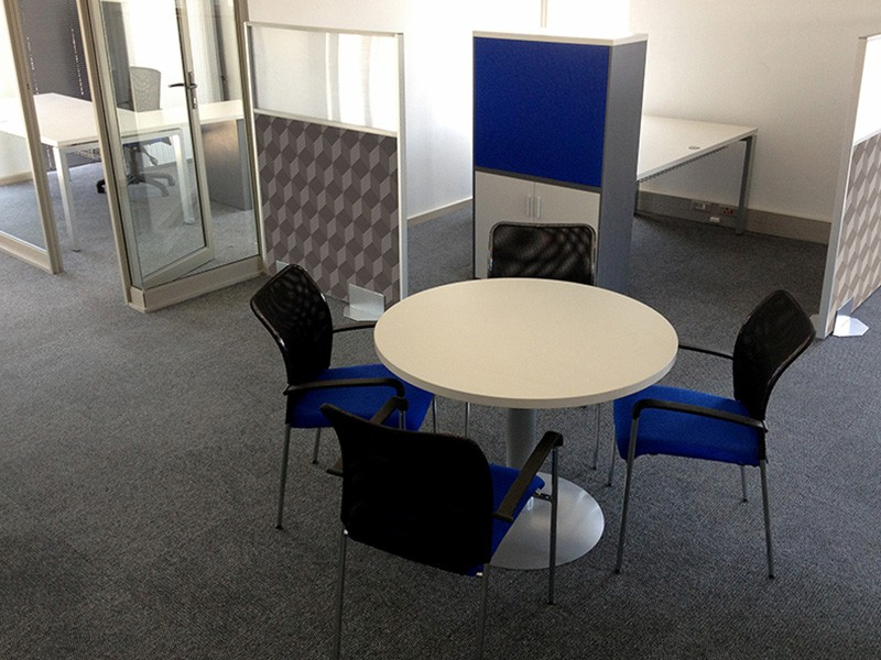 Meeting Area with Round Table & Silver Base